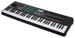 Akai MPK 261 MIDI клавиатура