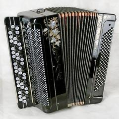 Баян Тульский  БН-16 «ТУЛА» 61×120-II концертный двухголосный